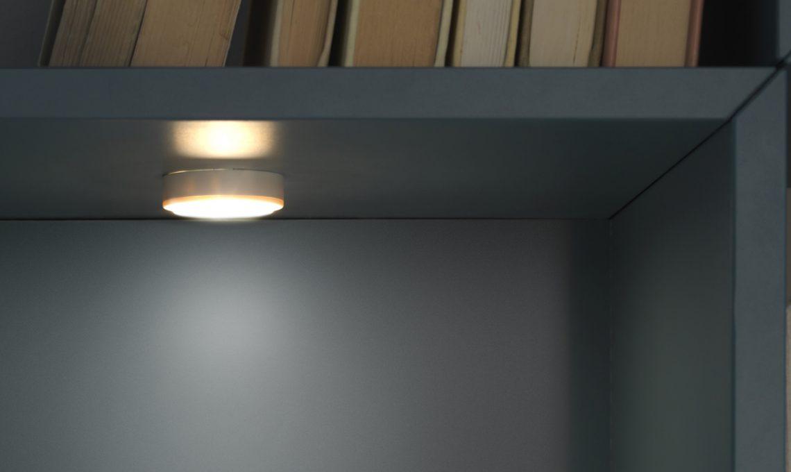 Come illuminare a led l\'armadio e la cabina armadio - CASAfacile