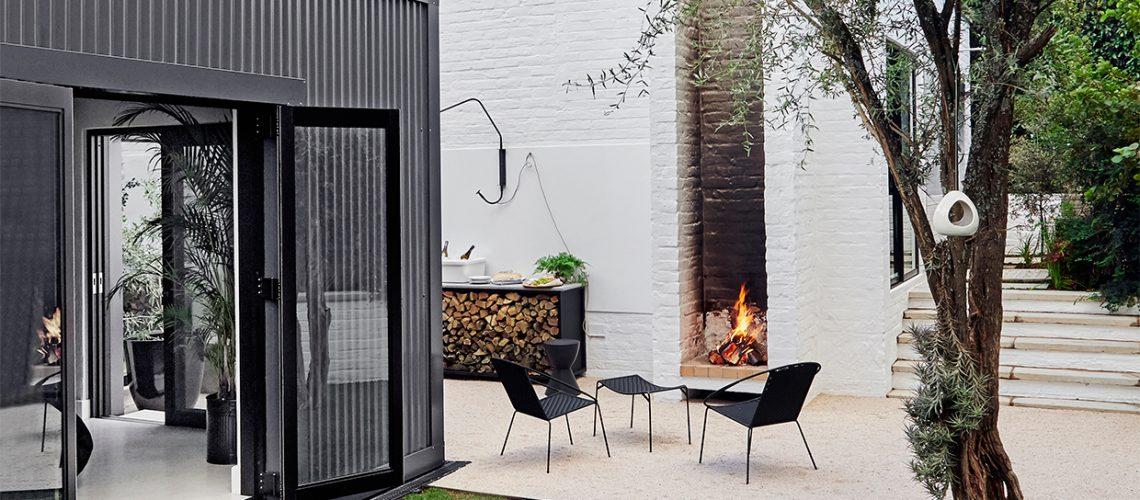 Una casa di design che 'dialoga' con il giardino