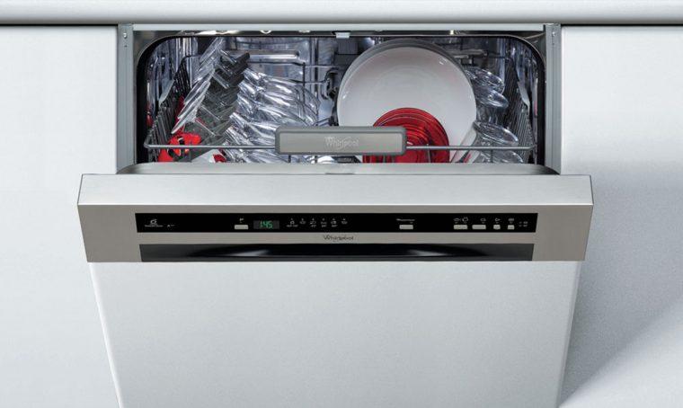 10 cose che puoi lavare in lavastoviglie (oltre ai piatti!)
