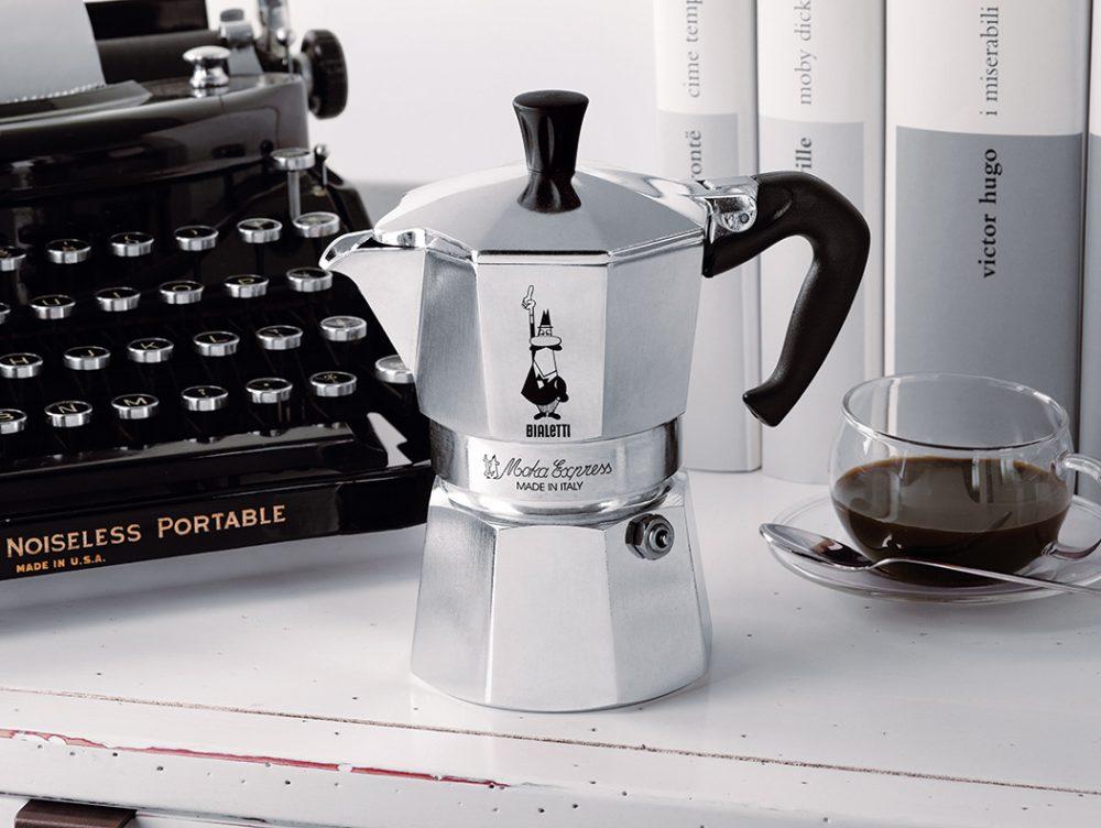 Moka Bialetti: la storia della caffettiera icona del design