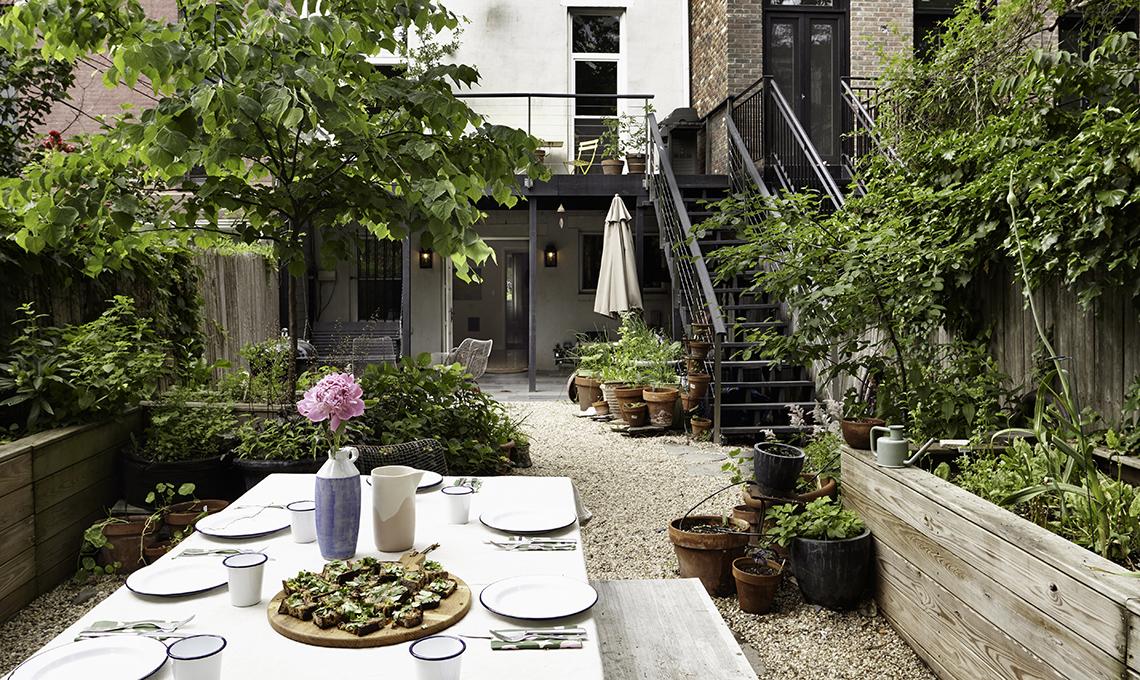 una casa con giardino a brooklyn