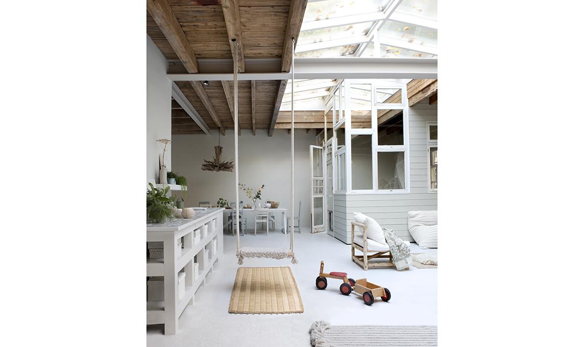 Un ex garage si trasforma in una casa piena di luce - Casa piena di zanzare ...