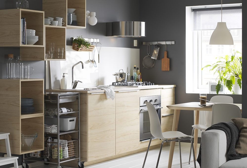 Mensole o pensili in cucina: i fattori da valutare prima di scegliere