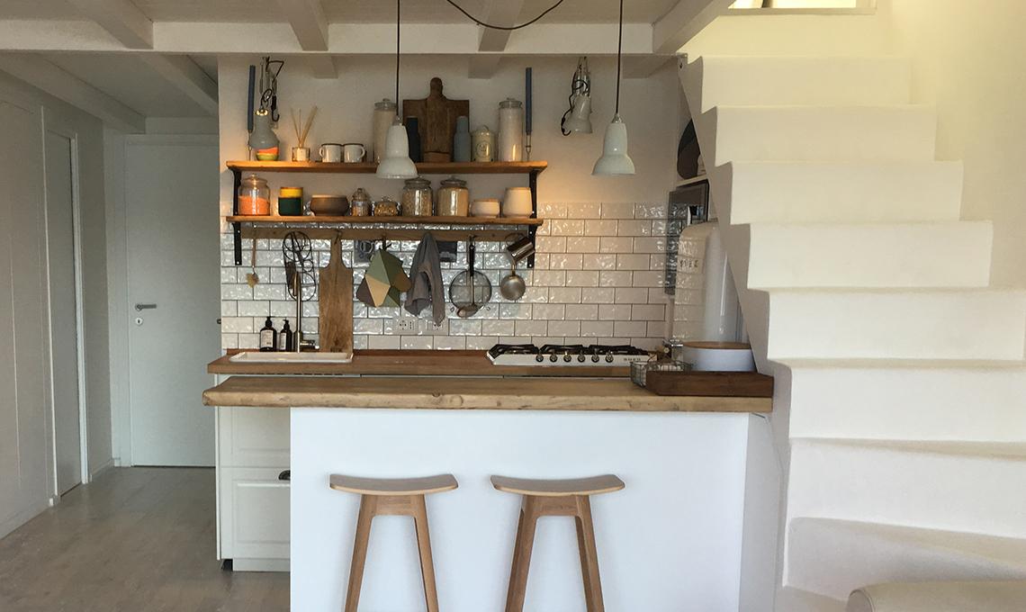 Spunti per arredare una casa al mare (con cucina a vista) - CASAfacile