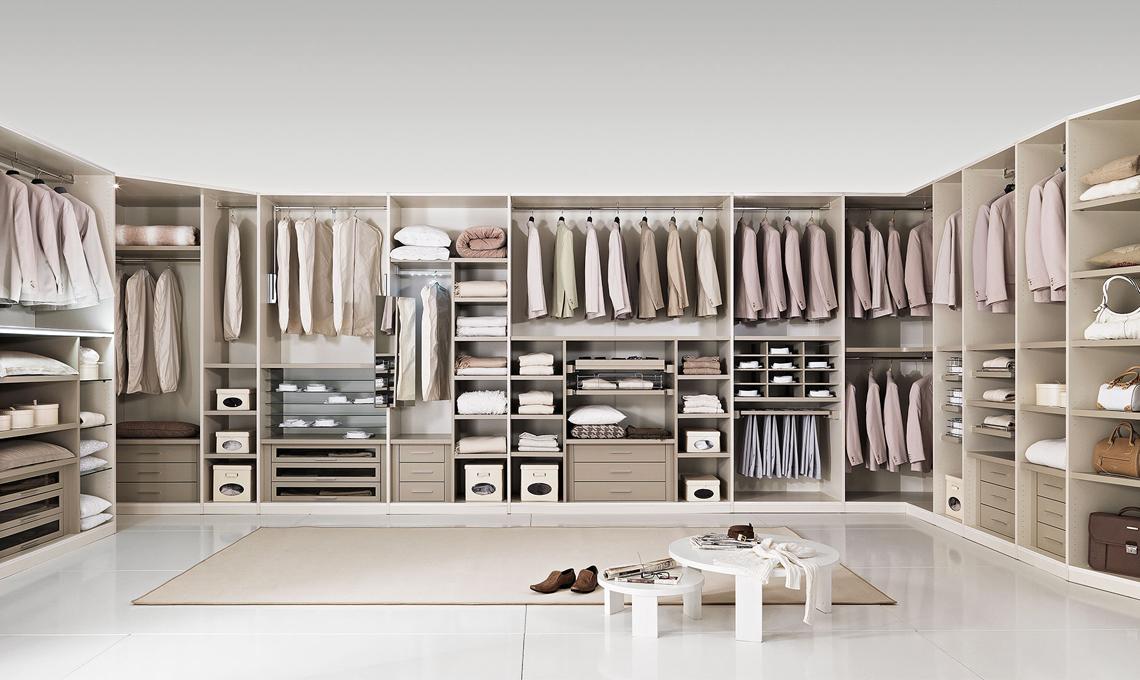 Cambio dell armadio la guida per scegliere gli accessori for Piccoli piani di casa cabina di log