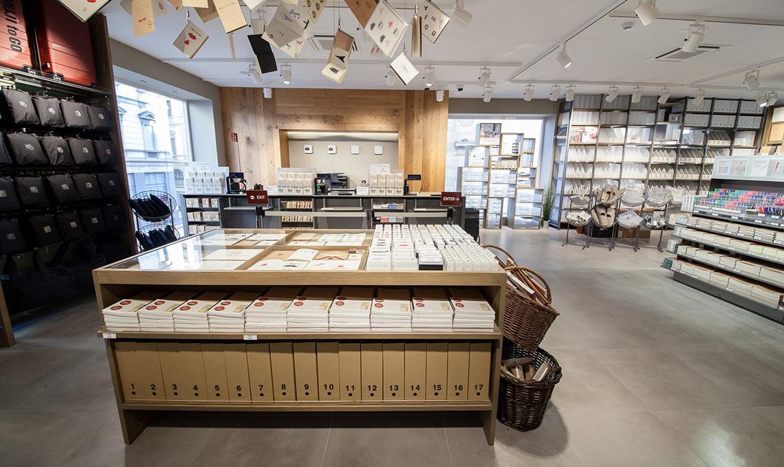 il nuovo negozio muji nel centro di milano casafacile