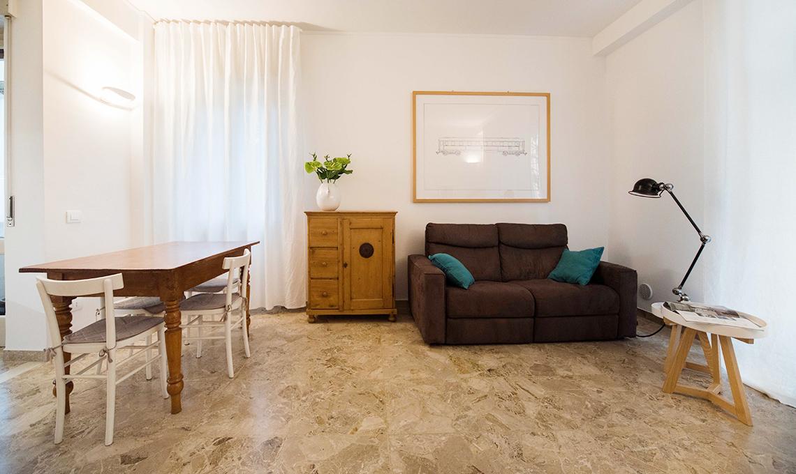 Pavimento in graniglia in una casa moderna casafacile for Pavimenti da cucina moderna