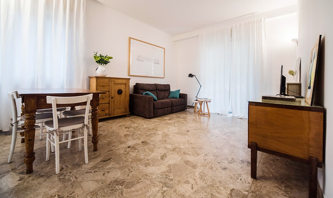 Pavimento in graniglia in una casa moderna casafacile - Abbinare pavimento e mobili ...