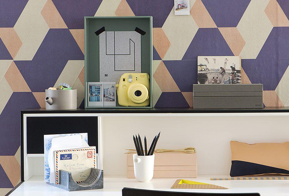 Angolo studio fai-da-te: scrivania e parete décor
