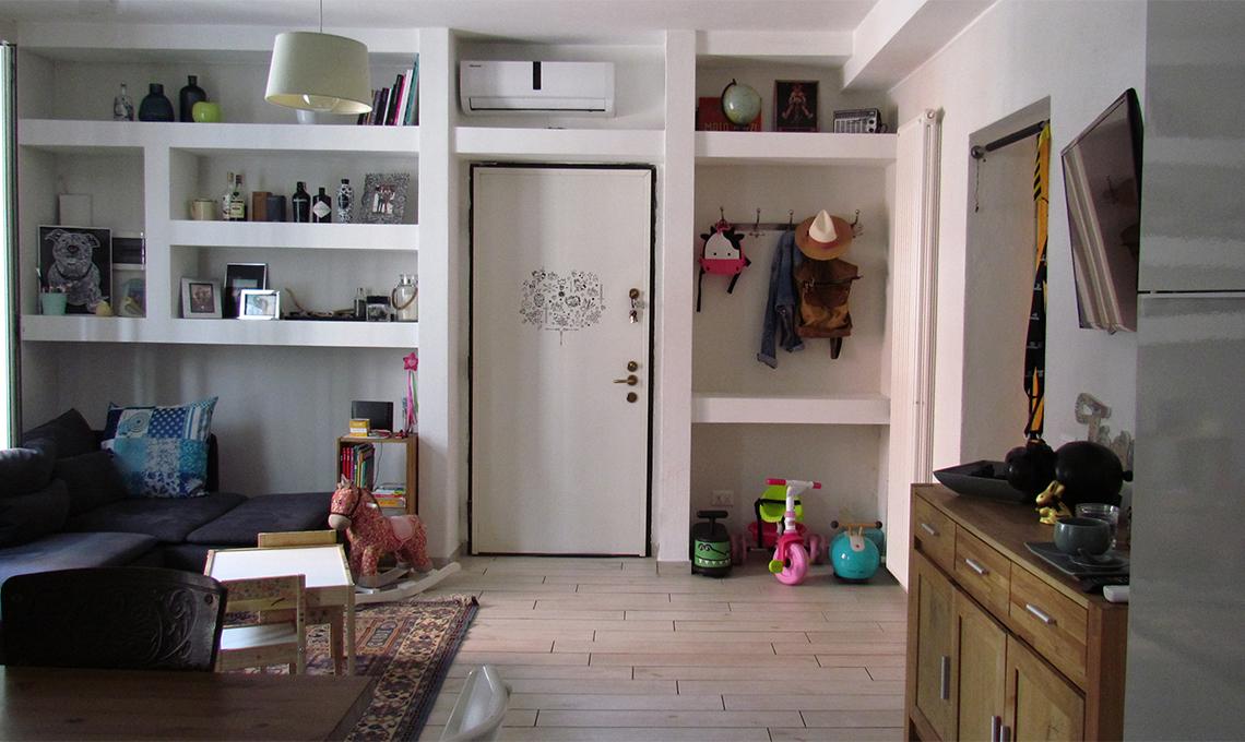Un bilocale funzionale con parete attrezzata in cartongesso casafacile - Cartongesso parete attrezzata ...