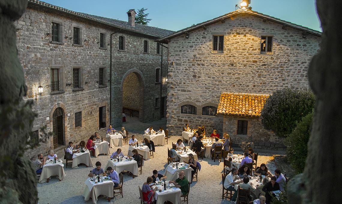 Castello di Petroia Umbria ristorante