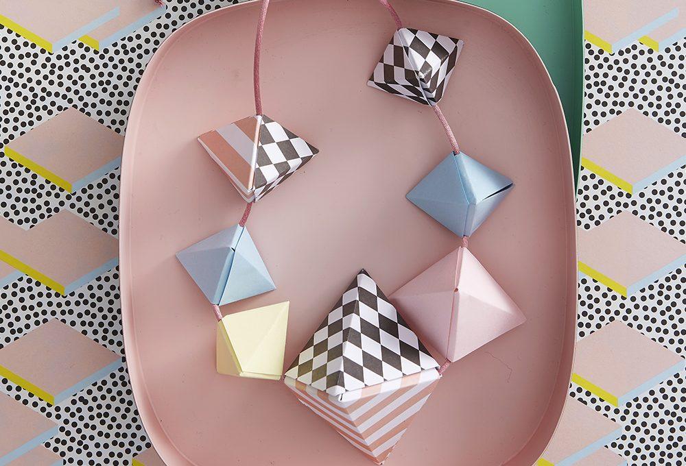 Come fare una collana origami