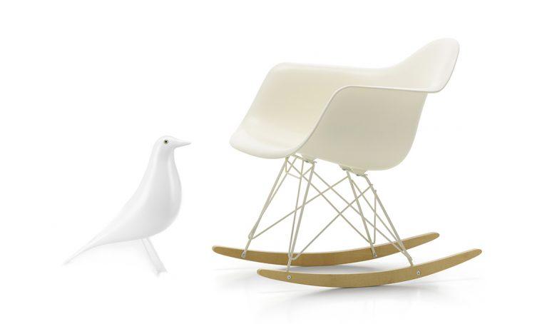 Vitra va in bianco: scopri le limited edition di design