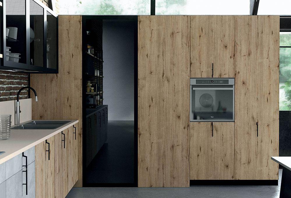 La 'cabina armadio' che sfrutta l'angolo in cucina