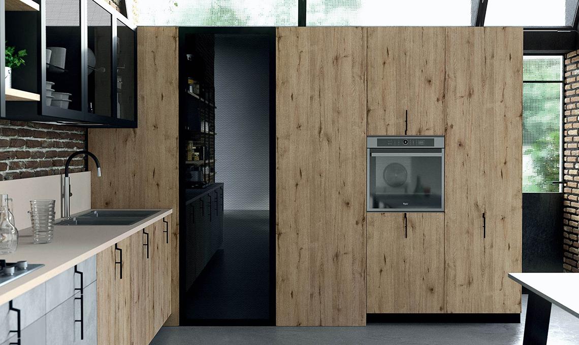 La 39 cabina armadio 39 che sfrutta l 39 angolo in cucina for Armadio da soggiorno