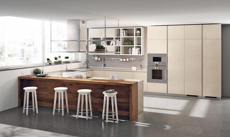La cucina con le ante in grès porcellanato