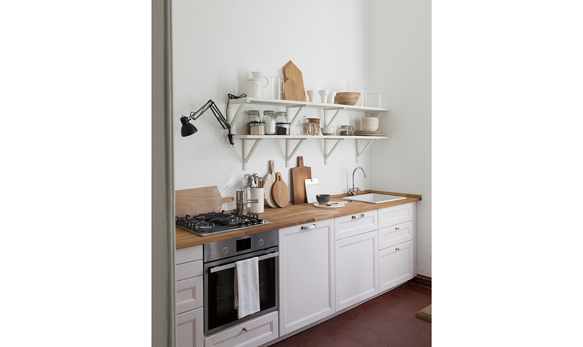 cucina con mensole