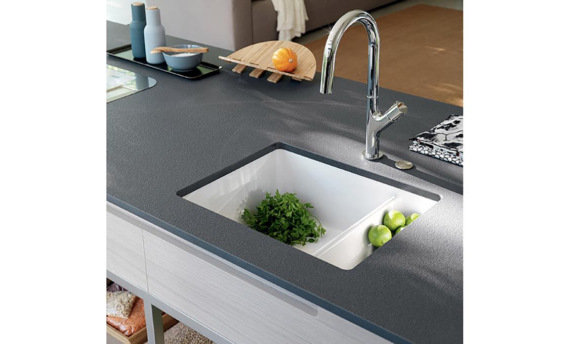 9 piani di lavoro al top per la tua cucina casafacile for Piani di cucina