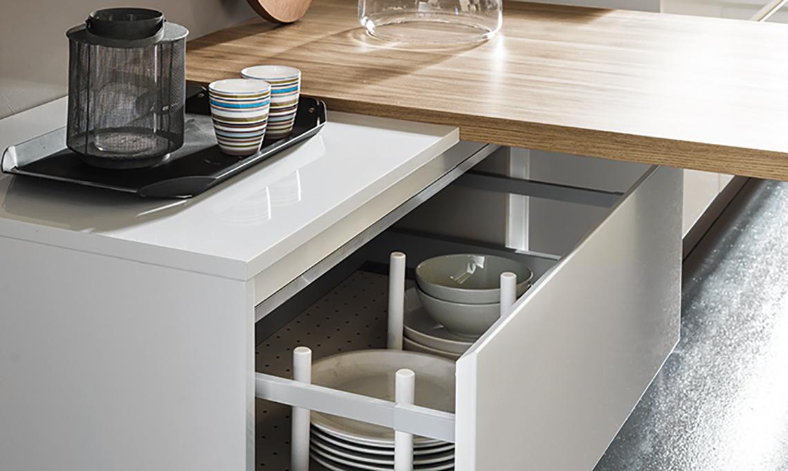 9 piani di lavoro al top per la tua cucina casafacile for Piani di coperta per la casa mobile