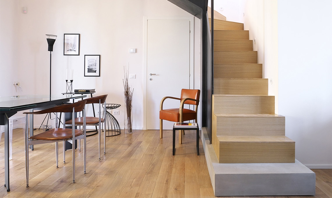 Una scala riprogettata per ricavare una stanza in pi for Piani casa costruiti per una vista