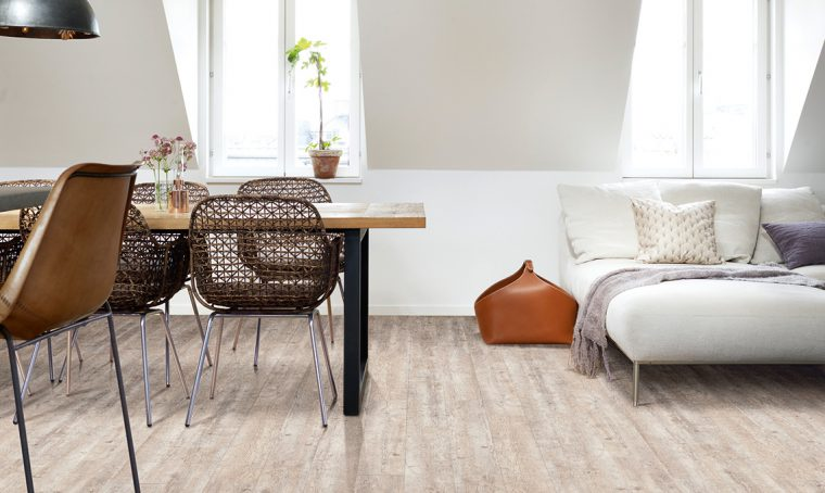 pavimento in vinilico effetto legno