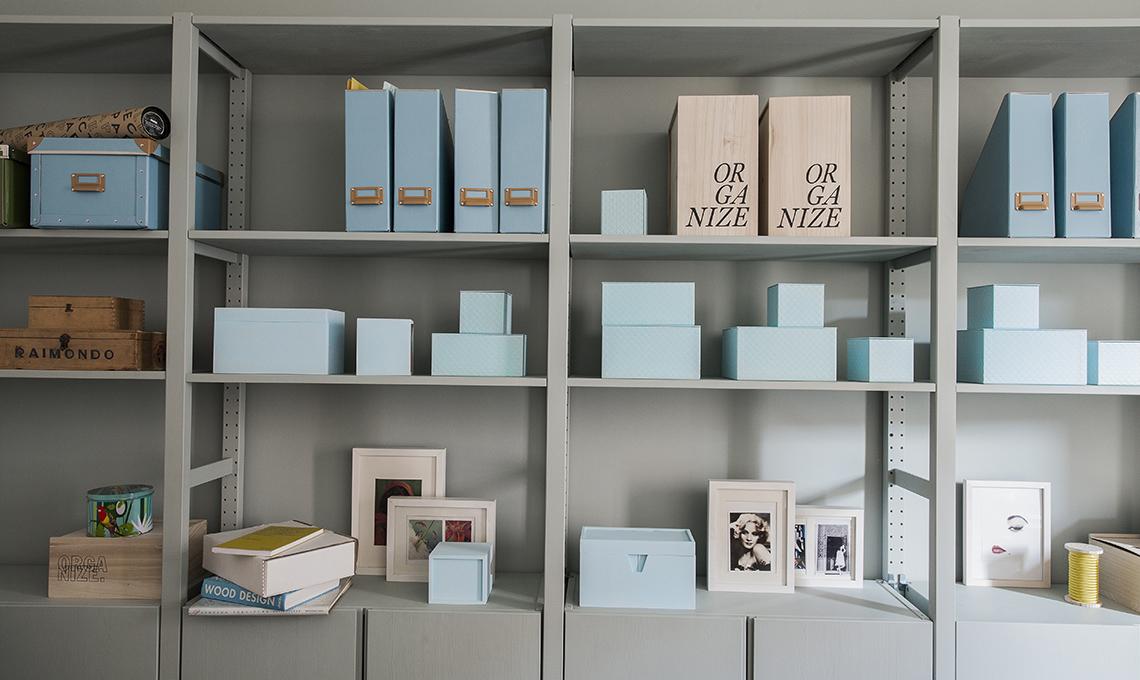 4 idee per trasformare i mobili ikea pi classici casafacile - Scaffale legno bagno ikea ...