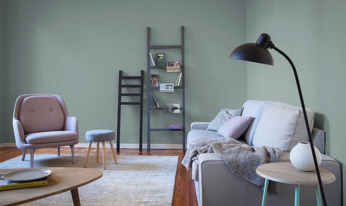 Un appartamento in affitto trasformato con il colore e for Esempi di pareti colorate