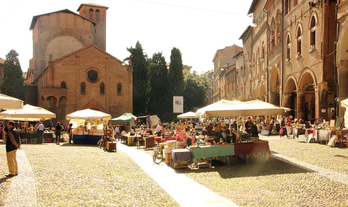 Il Mercato Antiquario di Bologna, il secondo weekend del mese