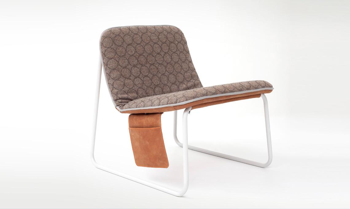 Poltrona Casual Chair: anche in questo caso il design è semplice, ma c'è la possibilità di aggiungere accessori, tasche, zip (Robert Bronwasser per Smool)