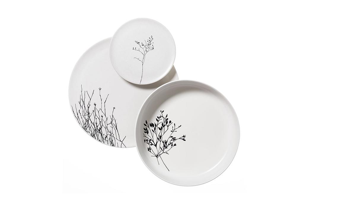 piatti bianchi decorati