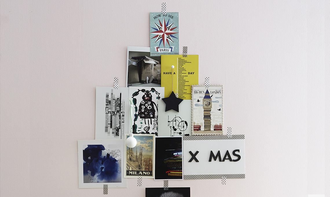 Albero di natale fai da te fatto con cartoline e fotografie