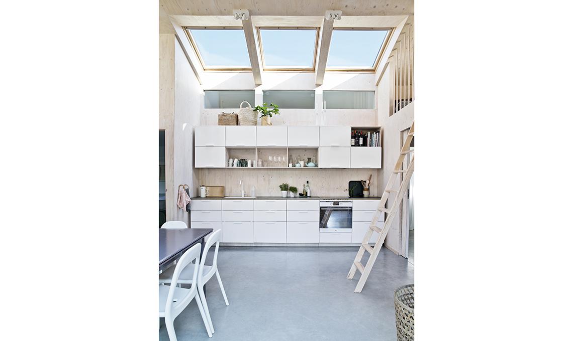 cucina bianca in legno