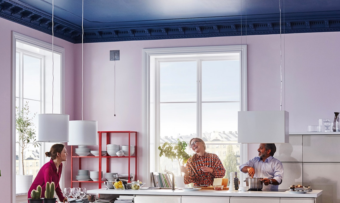 Verniciare Pareti Del Bagno : Soffitto colorato cambia la percezione della stanza casafacile