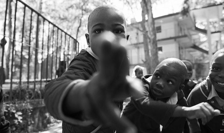 A Milano una mostra fotografica dedicata ai sorrisi dei bambini di Haiti