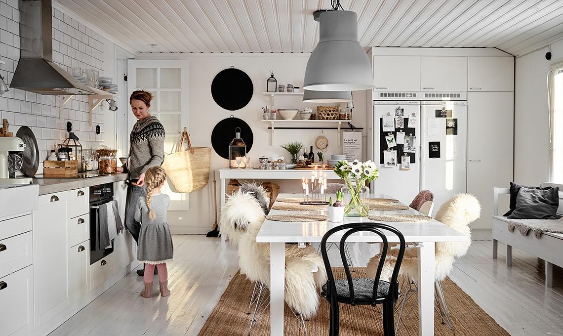 Natale in famiglia in stile nordico casafacile - Mobili stile nordico ...