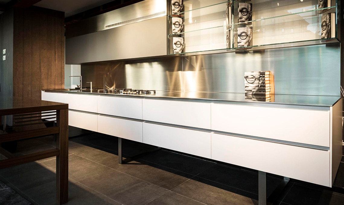 Negozi cucine milano gallery of lottocento with negozi cucine milano life milano showroom life - Cucine etniche arredamento ...