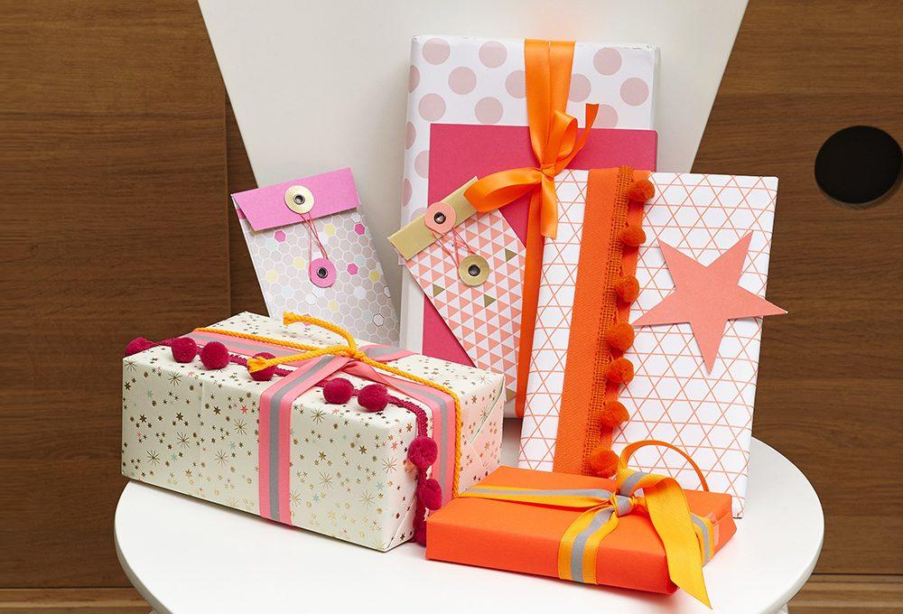 Idee per pacchetti di Natale coloratissimi