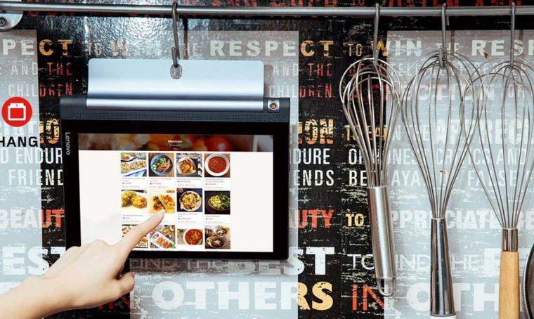 Accessori, supporti e staffe utili per usare i tablet anche in cucina