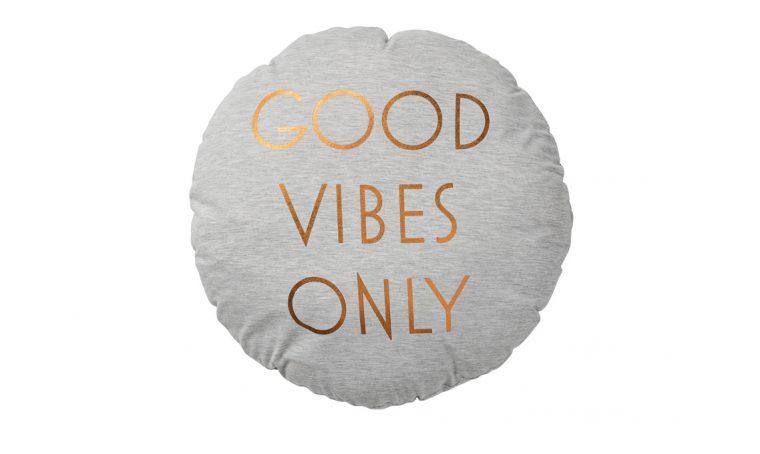 Regalale un cuscino con il messaggio giusto!