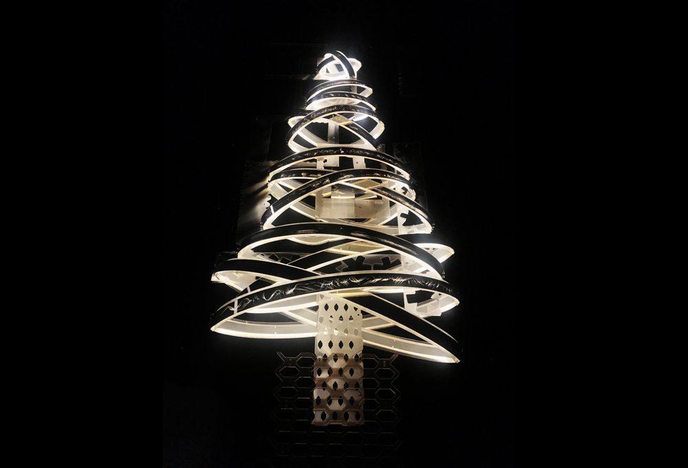 Ecologico e solidale: ecco l'albero di Natale 2017 di Slamp