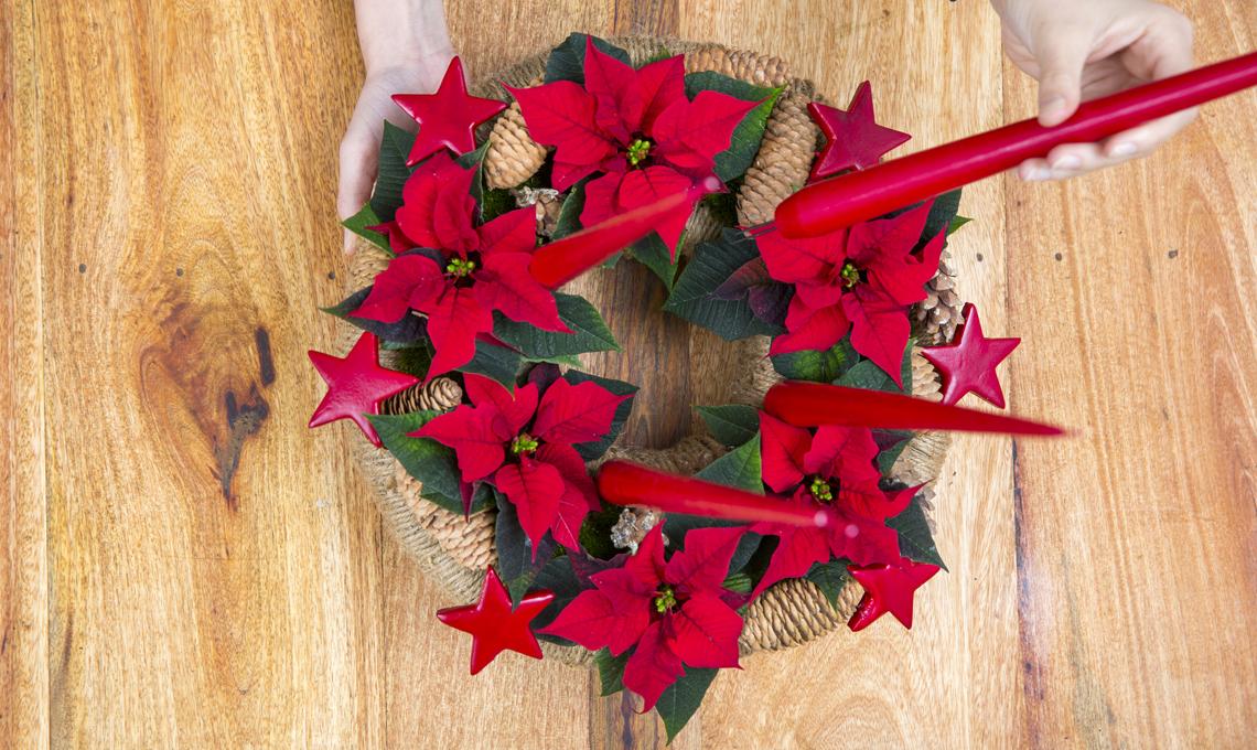 Centrotavola Stella Di Natale.Come Fare Una Ghirlanda Centrotavola Con Le Stelle Di Natale