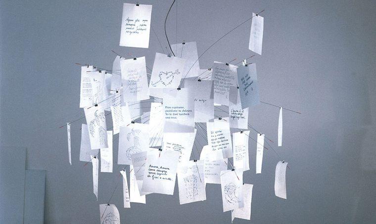 Zettel'z la lampada icona che da 20 anni diffonde messaggi