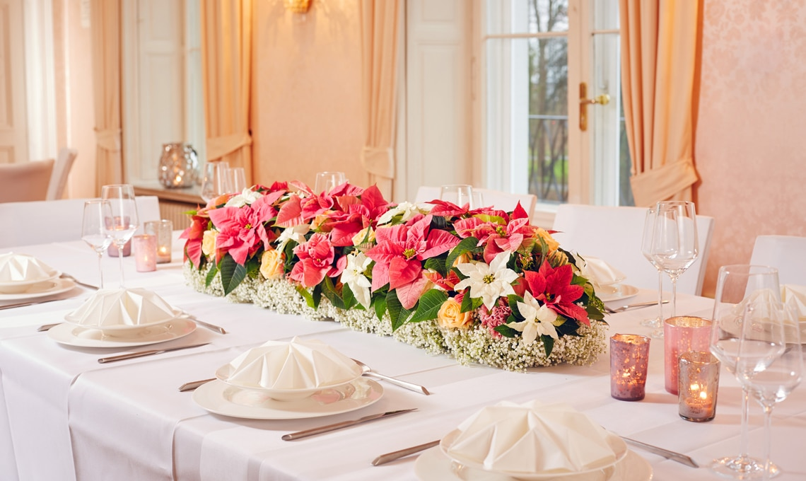 Centrotavola Stella Di Natale.Bouquet Di Stelle Di Natale Per La Sposa D Inverno Casafacile