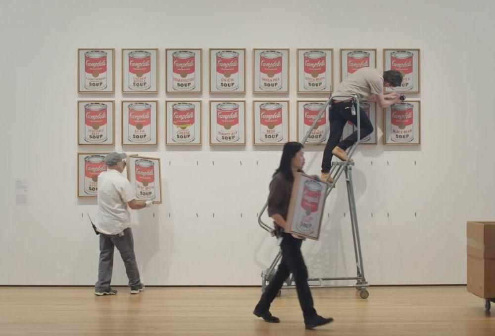 Cosa succede dietro le quinte di una grande mostra d'arte?