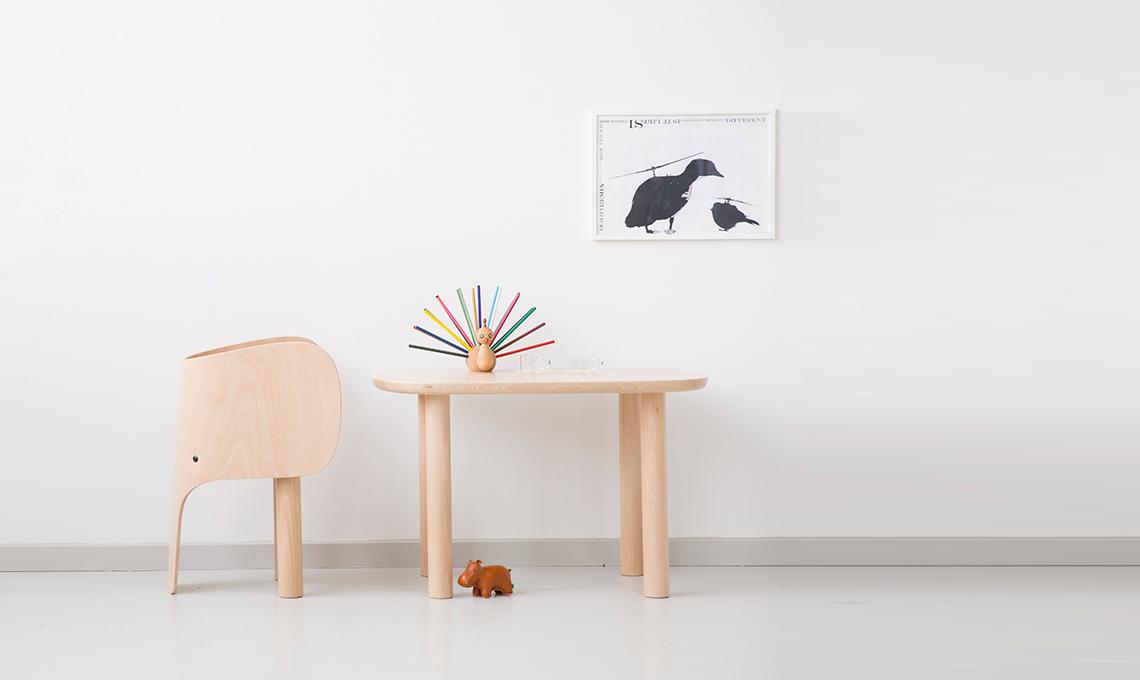 Tavoli e sedie per l 39 angolo creativo in cameretta casafacile for Sedie per studiare