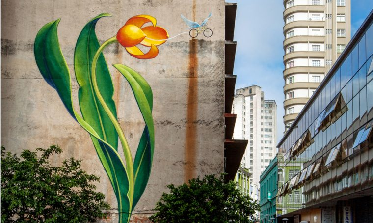 Mona Caron l'artista dei murales vegetali
