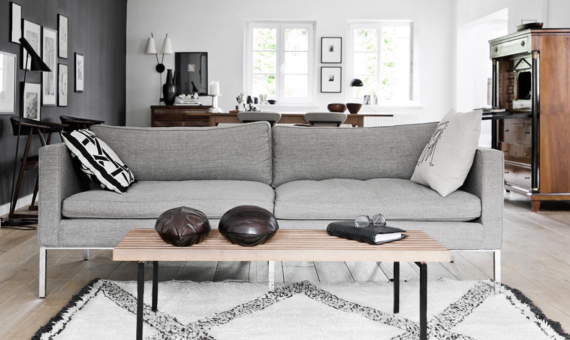 divano grigio