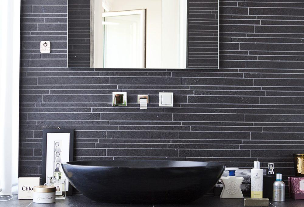 Piastrelle nere per il bagno