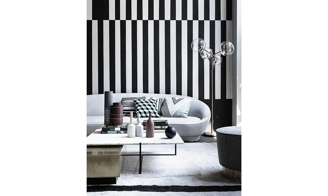 Arredare con righe bianche e nere casafacile for Sedie bianche e nere