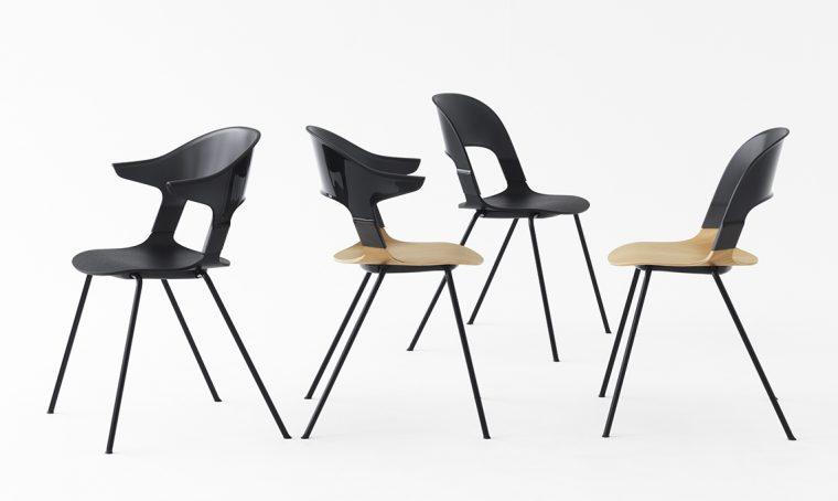 7 sedie nere e legno